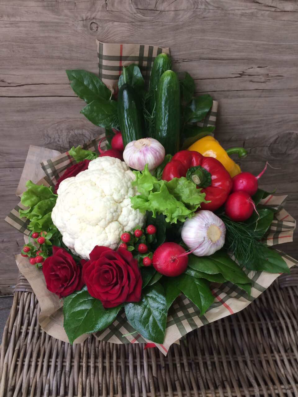 Букеты с фруктами и цветами фото